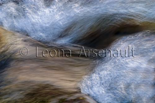 FINE ART;WATER;STREAMS;FLUID;FLOW;ROCKS;WATERSCAPE;HORIZONTAL;