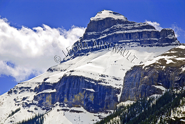 CANADA;ALBERTA;CANMORE;CANADIAN ROCKIES;ROCKY MOUNTAINS;FALL;ROCKS;SNOW;LANDSCAPE;HORIZONTAL
