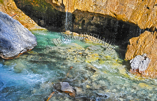 CANADA;ALBERTA;BANFF NATIONAL PARK;JOHNSTON CANYON;WATER;ROCKS;STREAMS;LIMESTONE;FLUID;FLOW;WATERSCAPE;HORIZONTAL