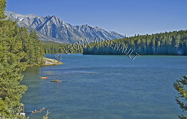 CANADA;ALBERTA;BANFF NATIONAL PARK;CANADIAN ROCKIES;ROCKY MOUNTAIN;JOHNSON LAKE;LAKES;CANOES; CANOEING;WATER;LANDSCAPE;SCENIC;WATERSCAPE;HORIZONTAL
