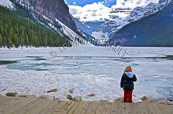 CANADA;ALBERTA;BANFF NATIONAL PARK;ROCKY MOUNTAIN;CANADIAN ROCKIES;LAKE LOUISE;CHILDRIN;SNOW;WATER;LAKES;SPRING;WATERSCAPE;LANDSCAPE;SCENIC;HORIZONTAL