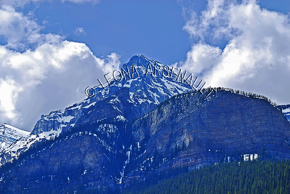 CANADA;ALBERTA;BANFF NATIONAL PARK;ROCKY MOUNTAIN;CANADIAN ROCKIES;LAKE LOUISE;SNOW;SPRING;LANDSCAPE;SCENIC;HORIZONTAL