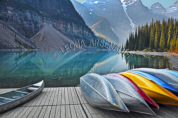 CANADA;ALBERTA;CANADIAN ROCKIES;ROCKY MOUNTAINS;BANFF NATIONAL PARK;MORAINE LAKE;LAKES;MOUNTAINS;FALL;WATER;CANOES;REFLECTIONS;SUMMER;WATERSCAPE;LANDSCAPE;SCENIC;HORIZONTAL