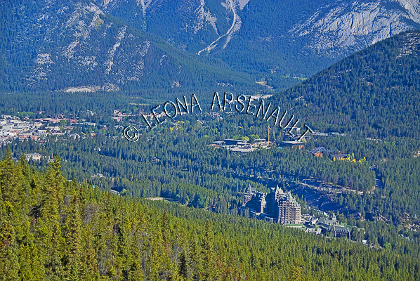 CANADA;ALBERTA;BANFF NATIONAL PARK;ROCKY MOUNTAIN;CANADIAN ROCKIES;SULPHUR MOUNTAIN;NATIONAL HISTORICAL SITE OF CANADA;MOUNTAINS;LANDSCAPE;SCENIC;HORIZONTAL