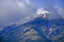 CANADA;ALBERTA;CANMORE;CANADIAN_ROCKIES;ROCKY_MOUNTAINS;CLOUDS;FALL;HORIZONTAL;