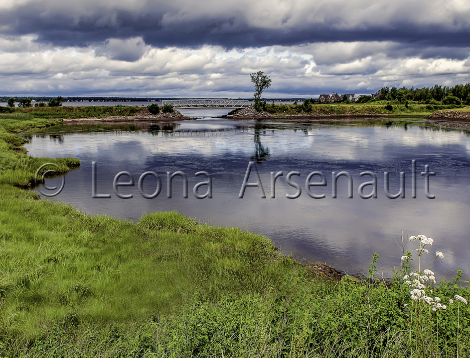 CANADA;NEW BRUNSWICK;SHEDIAC;BRIDGE;WATER;CLOUDS;REFLECTION;HORIZONTAL