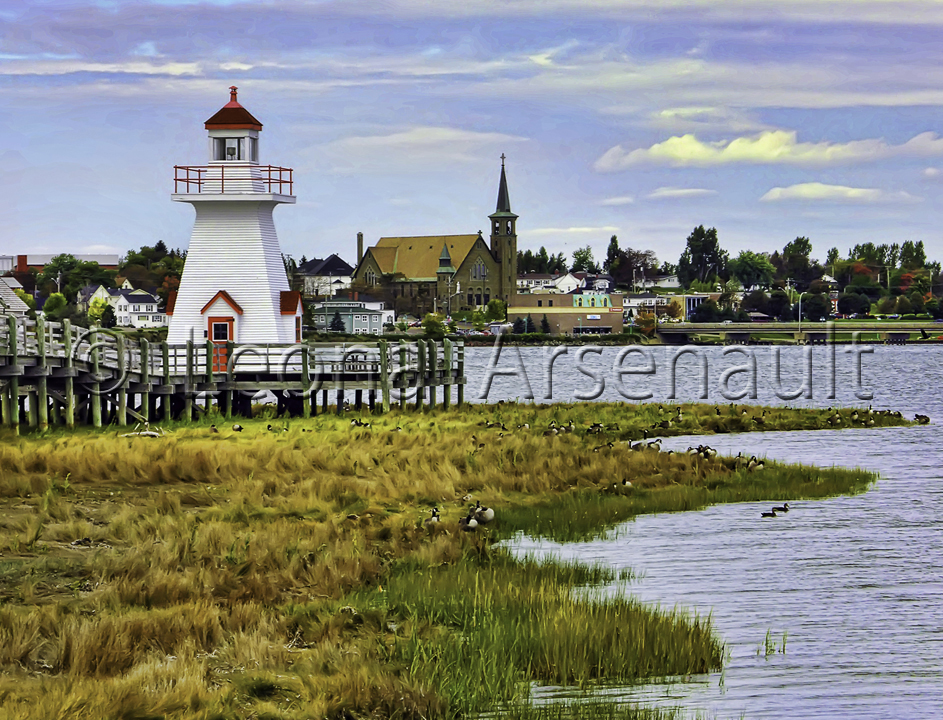CANADA;NEW BRUNSWICK;BOUCTOUCHE;LIGHTHOUSE;WATER;CHURCH;HORIZONTAL