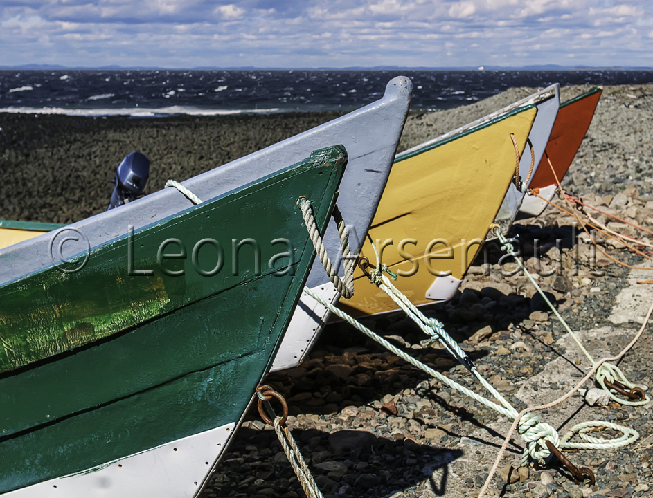 CANADA;NEW BRUNSWICK;GRAND MANAN;BOATS;DORYS;WATER;BEACH;HORIZONTAL;