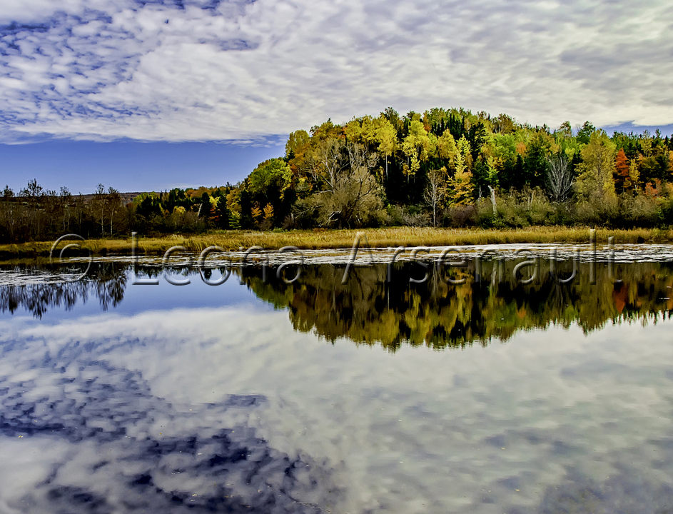 CANADA;NOVA SCOTIA;CAPE BRETON ISLAND;WATERSCAPE;SCENIC;HORIZONTAL;FALL;REFLECTION;
