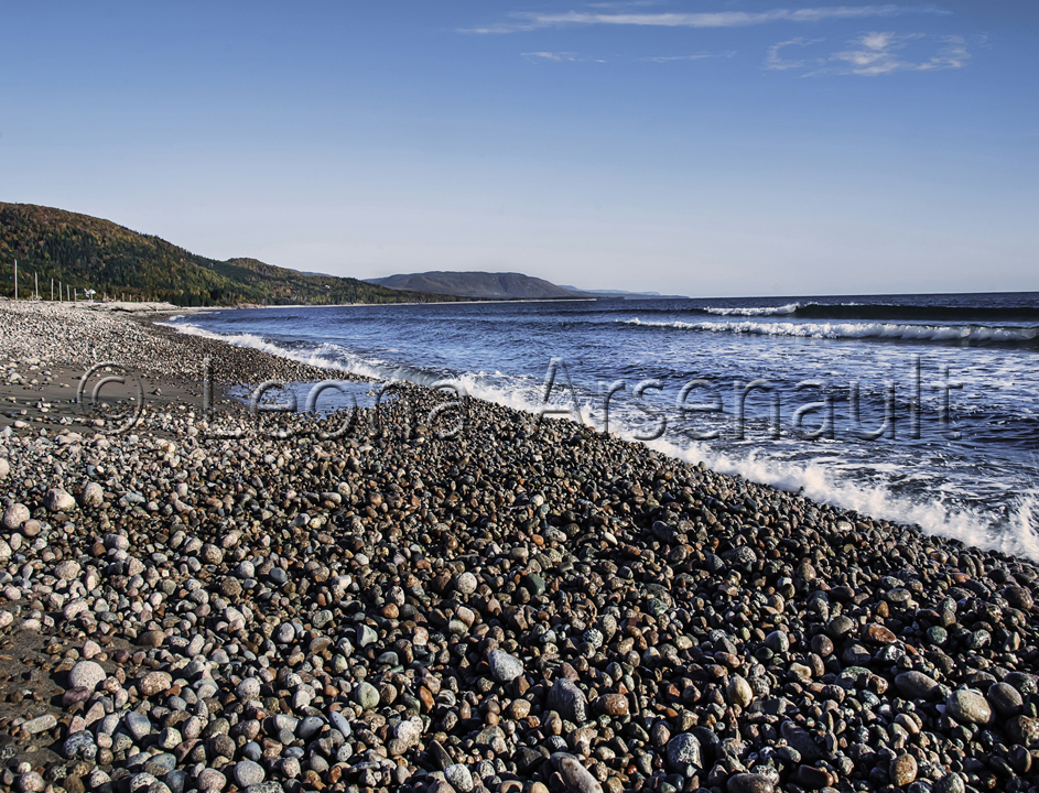 CANADA;NOVA SCOTIA;CAPE BRETON ISLAND;WATER;BEACH;PEBBLES;SCENIC;WATERSCAPE;HORIZONTAL;