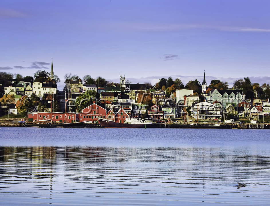 CANADA;NOVA SCOTIA;LUNENBURG;BUILDINGS;WATERSCAPE;WATER;HORIZONTAL;