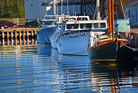 CANADA;PRINCE EDWARD ISLAND;PRINCE COUNTY;ABRAM-VILLAGE;FISHING BOATS;BOATS;SAIL BOAT;PIER;WHARF;HARBOUR;NAUTICAL;WATER;REFLECTION;SUMMER;SEASCAPE;SCENIC;HORIZONTAL