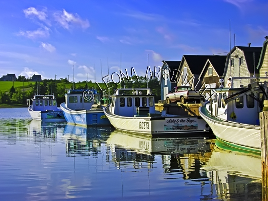 CANADA;PRINCE EDWARD ISLAND;QUEEN'S COUNTY;FRENCH RIVER;FISHING BOATS;BOATS;SHEDS;SHACKS;WATER;REFLECTION;SPRING;NAUTICAL;SEASCAPE;SCENIC;HORIZONTAL