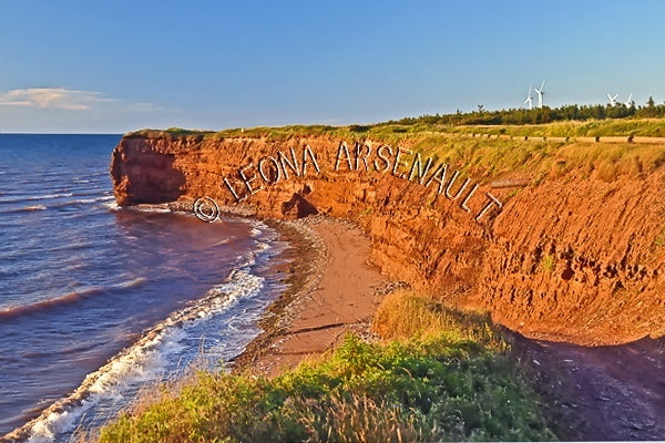 CANADA;PRINCE EDWARD ISLAND; PRINCE COUNTY;WEST CAPE WIND FARM;CLIFFS;RED SOIL;WATER;BEACH;WINDMILLS;ENERGY;FALL;WATERSCAPE;LANDSCAPE;SCENIC;HORIZONTAL