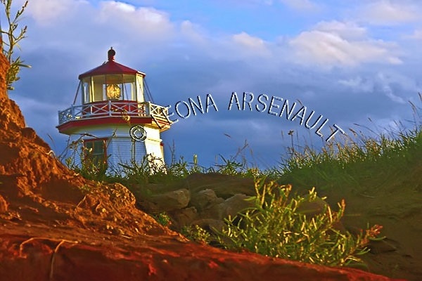 CANADA;PRINCE EDWARD ISLAND;PRINCE COUNTY;NORTH CAPE;LIGHTHOUSE;RED SOIL;CLIFF;NAUTICAL;LANDSCAPE;SCENIC;HORIZONTAL