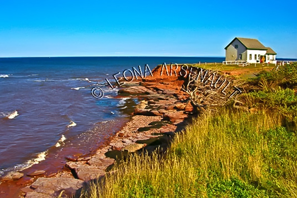 CANADA;PRINCE EDWARD ISLAND;KING'S COUNTY;EAST POINT;CLIFFS;SHORES;COASTAL;NAUTICAL;BUILDINGS;BEACH;WATER;SUMMER;WATERSCAPE;LANDSCAPE;SCENIC;HORIZONTAL