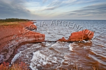CANADA;PRINCE_EDWARD_ISLAND;PRINCE_COUNTY;CAPE_EGMONT;CLIFFS;WATER;SEASCAPE;FALL