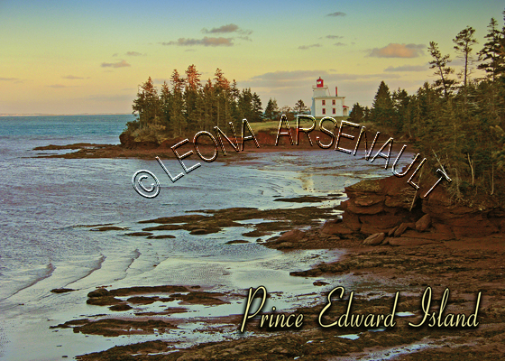 CANADA;PRINCE EDWARD ISLAND;PRINCE EDWARD ISLAND POSTCARD;PEI POSTCARD;QUEEN'S COUNTY;FORT AMHERST;BLOCKHOUSE POINT LIGHTHOUSE;WATER;NORTH THUMBERLAND STRAIT;RED CLIFFS;POSTCARD;