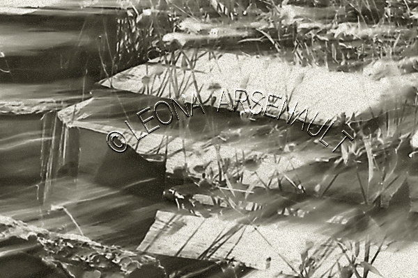LENS CREATION;ABSTRACT;BLACK AND WHITE;HORIZONTAL