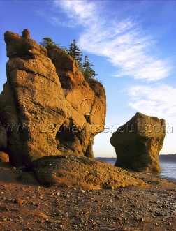 CANADA;NEW_BRUNSWICK;HOPEWELL_ROCKS;ROCKS;_WATER;VERTICAL;