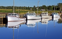 CANADA;PRINCE_EDWARD_ISLAND;PRINCE_COUNTY;ABRAM_VILLAGE;FISHING_BOATS;BOATS;PIER
